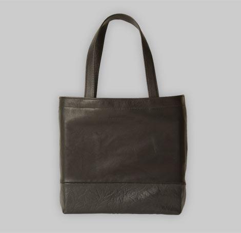 Schwarze Tasche 14